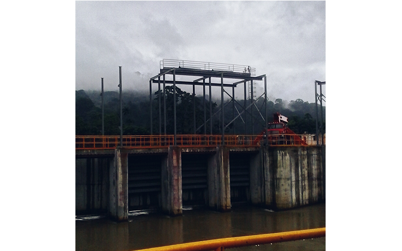Four 3.000 x 4.000 mm floodgates for output channel in Torito's hydroelectric power plant